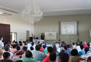 Adivipar-PR reúne mais de 200 vidreiros para treinamento em Francisco Beltrão