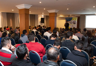 Adivipar-PR divulga programação de Treinamento para Vidraceiros